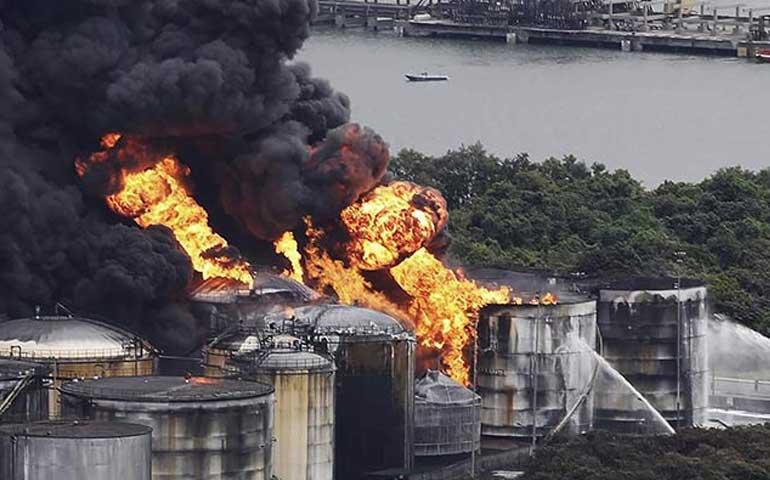 sigue-sin-control-incendio-en-deposito-de-combustible