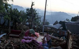 van-casi-100-replicas-del-terremoto-en-nepal
