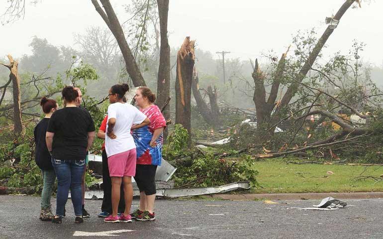 asciende-a-cinco-los-muertos-por-paso-de-mas-de-70-tornados-en-eu