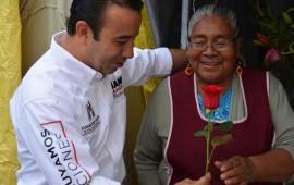 celebra-gianni-el-10-de-mayo-con-mujeres-comerciantes