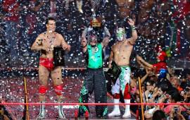 dream-team-dedica-premio-al-hijo-del-perro-aguayo