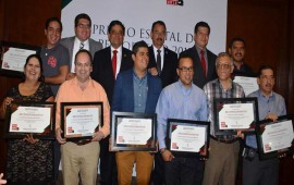 entregan-premio-estatal-de-periodismo-2015-enfoque-gano-en-dos-categorias