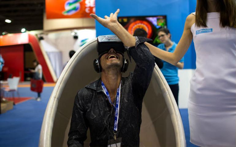 llega-el-porno-del-futuro-juguetes-sexuales-sincronizados-con-videos-en-realidad-virtual