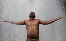 lluvias-alivian-a-india-en-medio-de-ola-de-calor-casi-2-mil-200-muertos