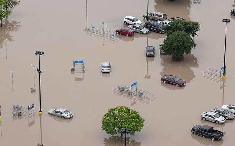lluvias-record-y-tornados-obligan-desalojo-de-2-mil-personas-en-eu