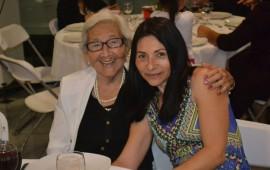 nissan-festeja-a-sus-clientas-en-honor-al-dia-de-las-madres8