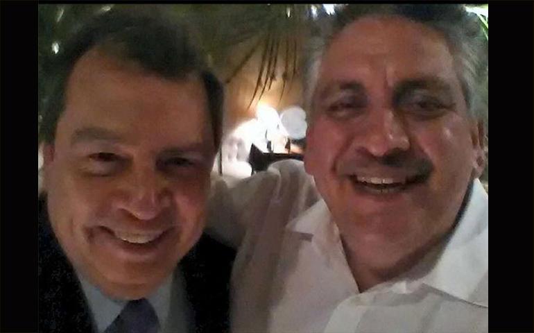 reaparece-el-ex-gobernador-de-guerrero-se-toma-foto-con-acosta-naranjo
