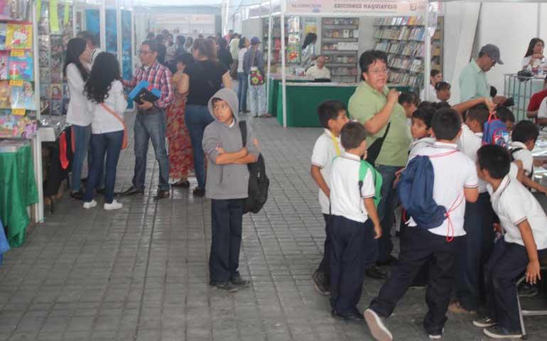 registra-bajas-ventas-la-feria-del-libro-infantil-y-juvenil-nayarit-2015