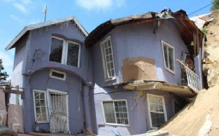 se-traga-la-tierra-21-casas-por-supuesta-fuga-de-agua