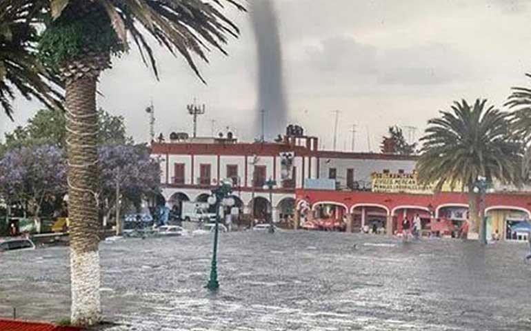 temible-tornado-se-formo-sobre-ciudad-serdan