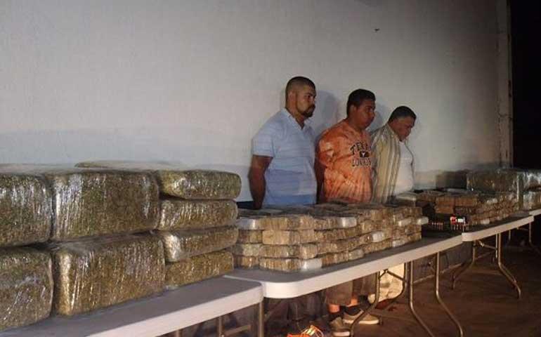 trasladan-al-penal-de-tepic-a-detenidos-con-400-kilos-de-droga