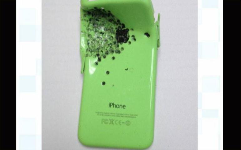 un-iphone-5c-le-salva-la-vida-a-su-dueno-durante-un-tiroteo