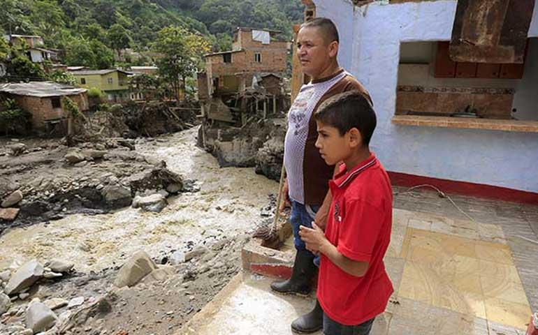 van-casi-100-muertos-por-deslave-en-colombia