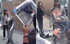 video-atacan-al-vocalista-de-maroon-5-con-una-bolsa-de-azucar