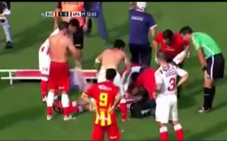 video-futbolista-argentino-sufre-muerte-subita-en-pleno-partido