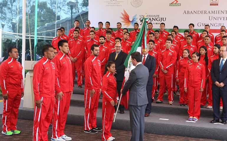 abanderan-a-la-delegacion-mexicana