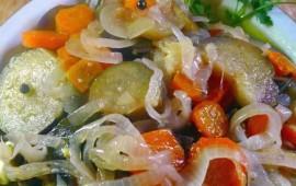 berenjenas-en-escabeche-con-verduras