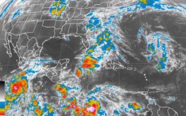 blanca-se-convierte-en-huracan-categoria-4
