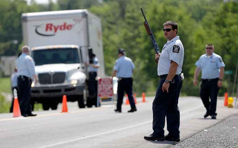 casi-500-policias-buscan-a-presos-fugados-de-carcel-de-nueva-york