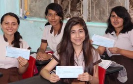 continua-entrega-de-beca-universal-a-alumnos-de-nayarit