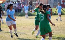 el-futbol-femenil-en-apogeo