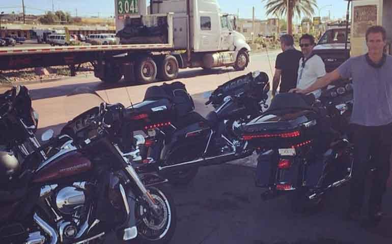 george-clooney-recorrio-mexico-en-motocicleta