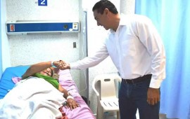 hector-santana-al-pendiente-de-la-salud-de-las-familias-de-badeba