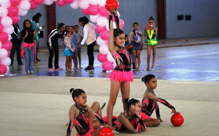 ninas-gimnastas-sacrifican-parte-de-su-vida-por-un-sueno