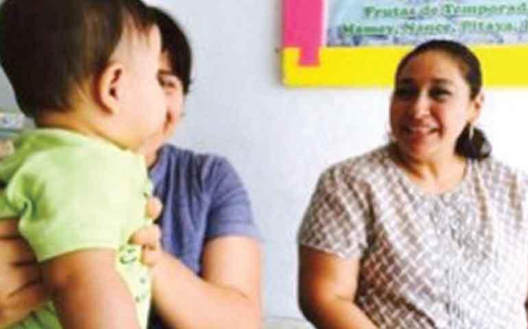 pareja-gay-registra-a-bebe-en-yucatan