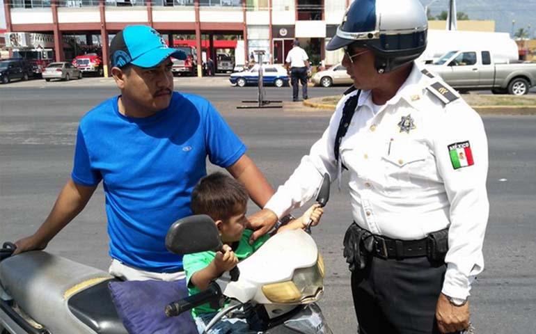 promueven-el-uso-de-cascos-en-motocicletas-en-tepic