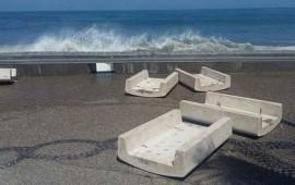 revientan-olas-de-6-metros-sobre-el-malecon-de-puerto-vallarta