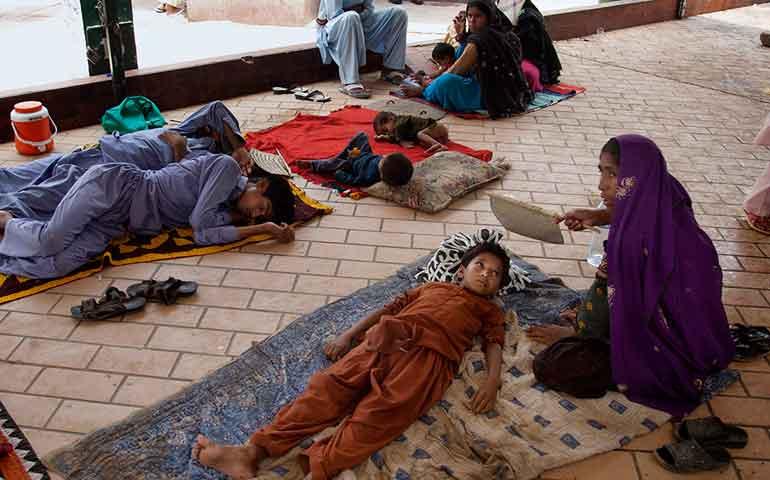 suman-mas-de-800-muertos-por-ola-de-calor-en-pakistan