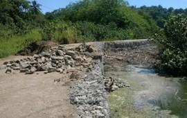 temen-vecinos-de-san-pancho-que-lluvias-causen-danos-patrimoniales-por-bordo-mal-construido