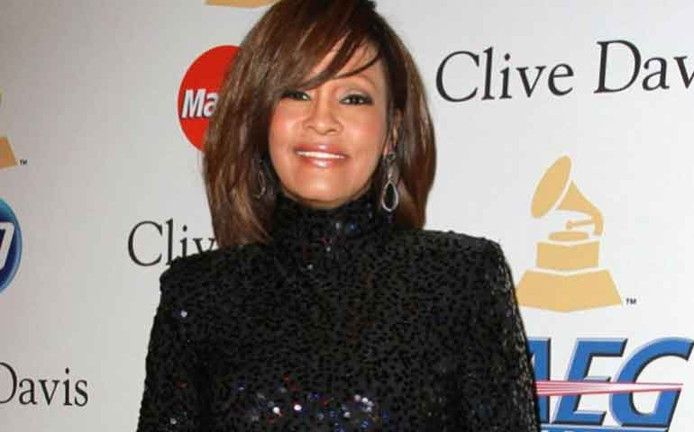 whitney-houston-habria-sido-extorsionada-por-romance-gay
