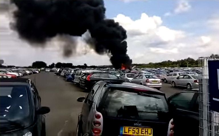 avioneta-se-impacta-en-estacionamiento-hay-4-muertos