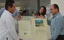 entrega-jose-gomez-certificacion-de-playas-limpias-a-hoteleros