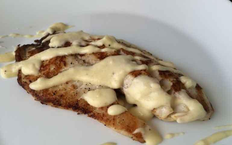 filete-de-pescado-en-salsa-blanca