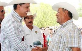 gobernador-entrega-apoyos-a-campesinos-de-nayarit