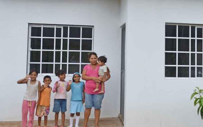 gobierno-de-nayarit-apoya-a-tepic-con-viviendas-de-calidad