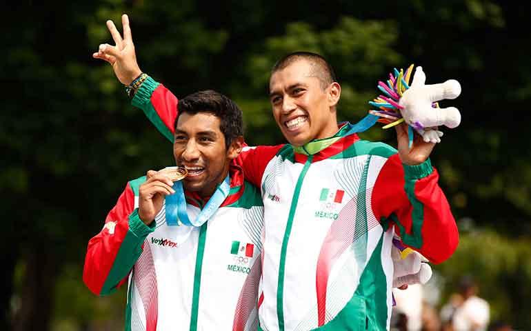 mexico-gana-oro-y-bronce-en-triatlon-varonil