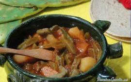 nopales-en-salsa-pasilla