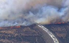 peligroso-siniestro-quema-automoviles-en-autopista-de-california