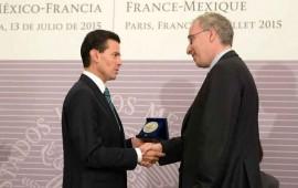 pena-nieto-recibe-en-francia-la-gran-medalla-de-la-sorbona