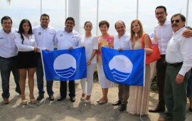 recibe-bahia-de-banderas-bandera-azul-y-3-certificados-de-playas-limpias
