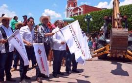 roberto-continua-con-rescate-de-plazas-publicas-en-el-estado