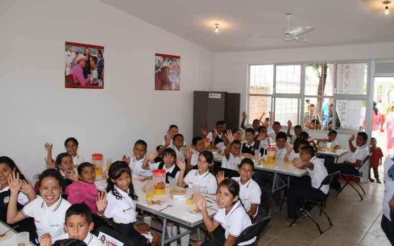 se-inaugura-aula-comedor-en-ixtlan-del-rio