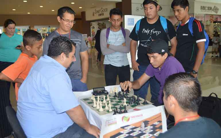 todo-un-exito-la-convocatoria-para-la-liga-municipal-de-ajedrez