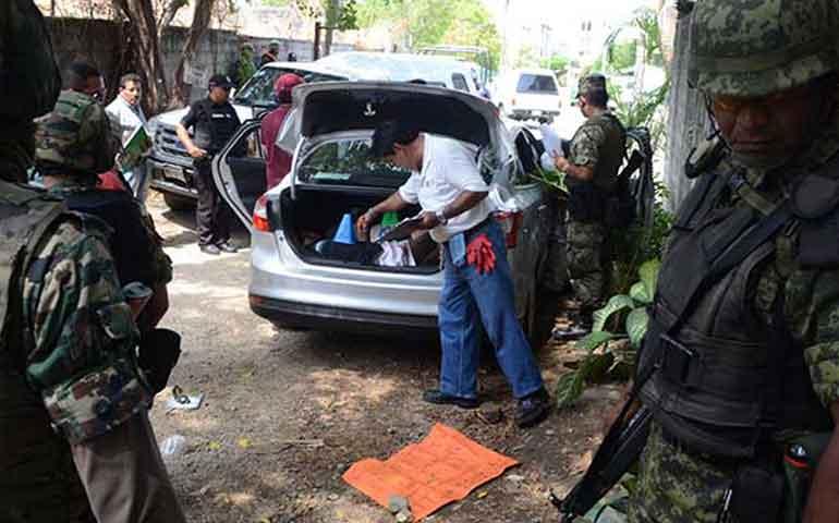 asesinan-a-cinco-en-michoacan-son-hallados-en-un-automovil