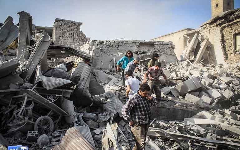 avion-militar-se-estrella-en-un-mercado-en-siria-al-menos-27-muertos