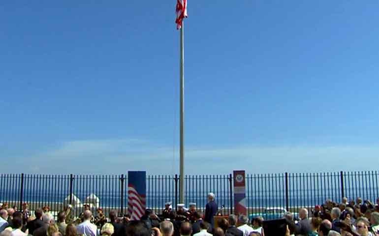 bandera-estadunidense-es-izada-en-la-habana